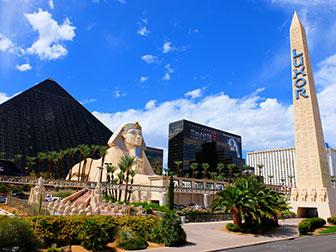 Big Bus Hop on Hop off a Las Vegas - Luxor Hotel