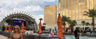 Party in piscina a Las Vegas